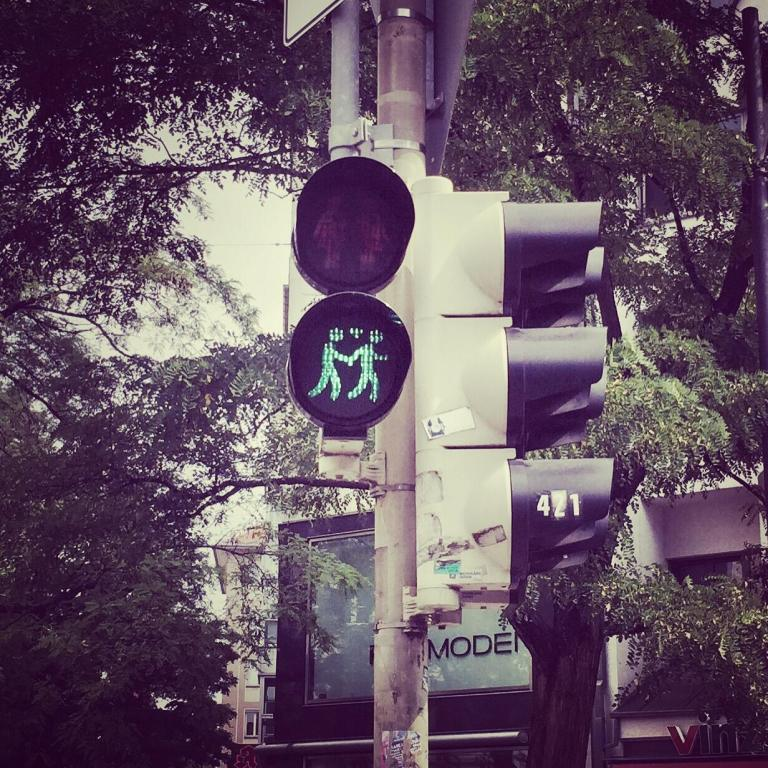 Emmy-horstkamp-traffic-light-munich-germany-july-2015