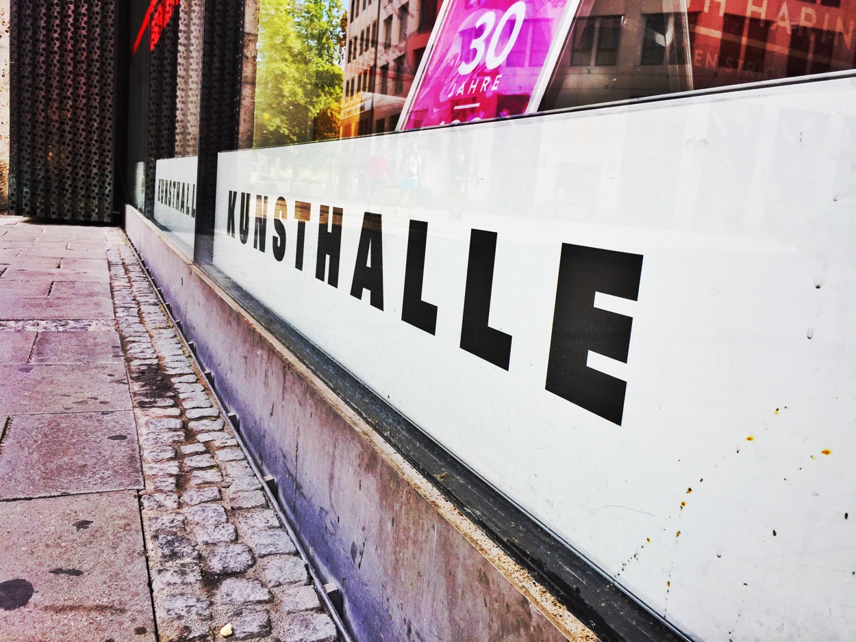 Kunsthalle Museum sign