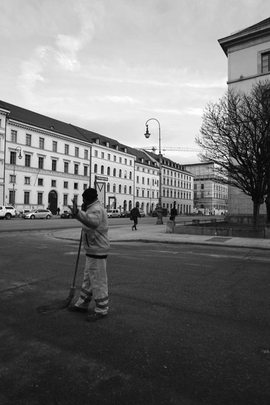 emmy-horstkamp-munich-artists-walk-january-2016DSC00100