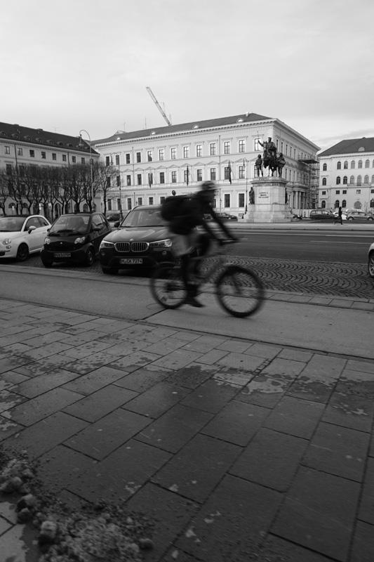 emmy-horstkamp-munich-artists-walk-january-2016DSC00102