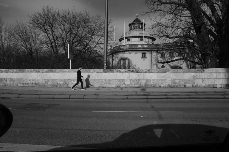 emmy-horstkamp-munich-artists-walk-january-2016DSC00287