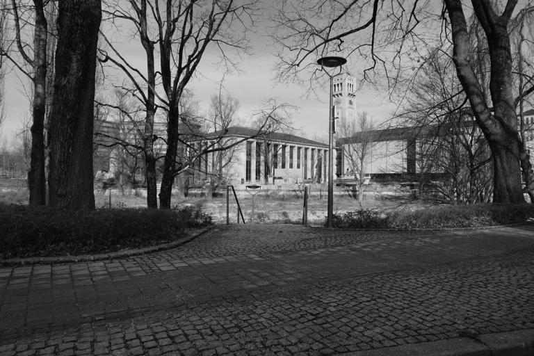 emmy-horstkamp-munich-artists-walk-january-2016DSC00291